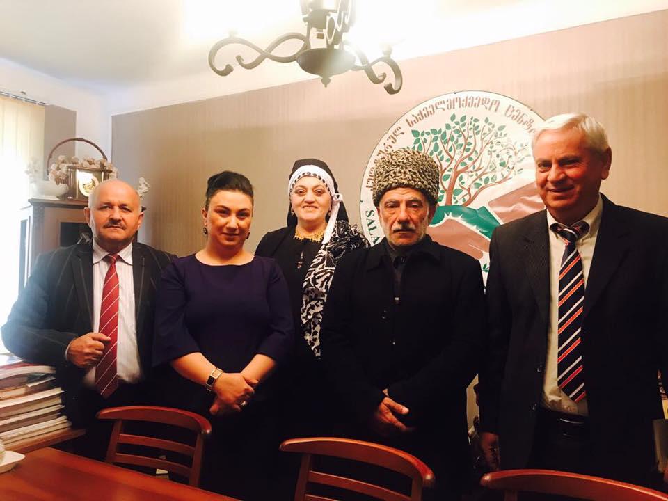 """Rustavi şəhərində """"Salam"""" Mədəni Xeyriyyə Cəmiyyətinin ofisində ziyalılarla görüş keçirilib"""